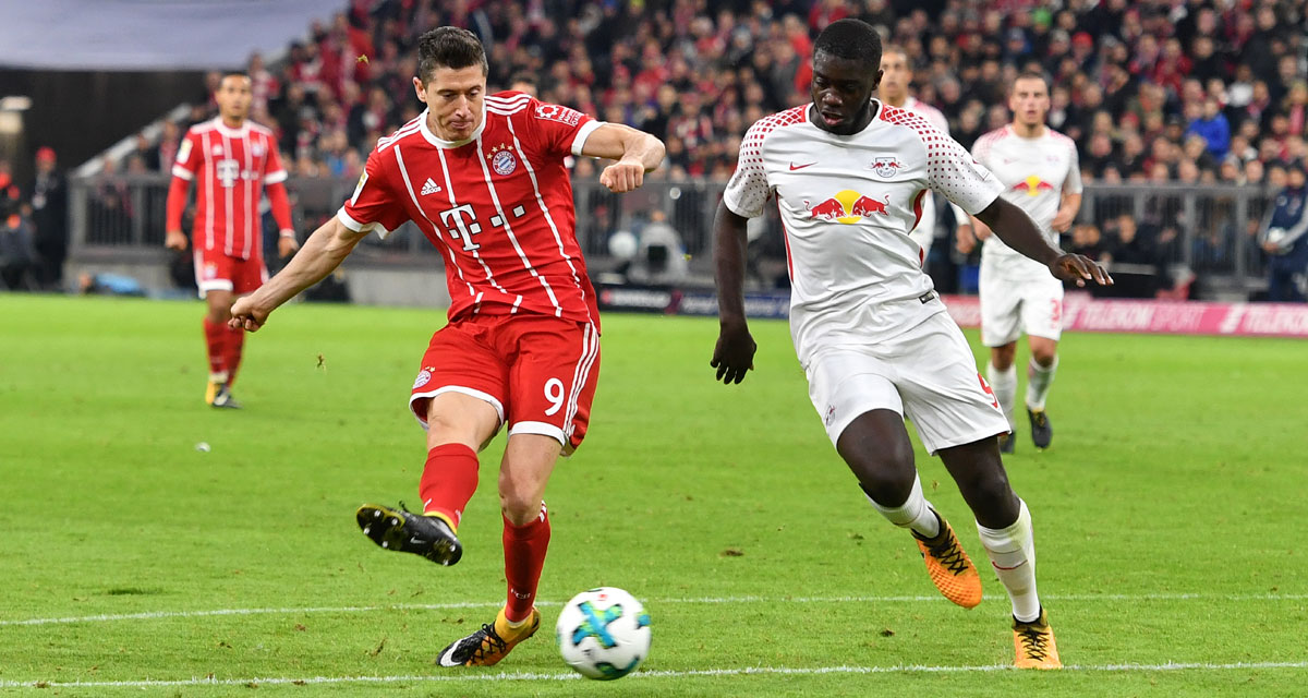 Lewandowski vs Upamecano - © Frank Hoermann/dpa Picture Alliance/picturedesk.com